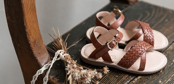 Sandale si Sandale talpă joasă